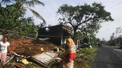 Cyclone Bulbul leaves 8 people dead as it smashes into India and Bangladesh coasts