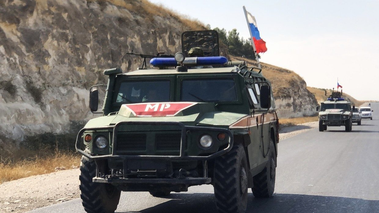 Three Russian military policemen injured by roadside pipe bomb in northern Syria -- Sott.net