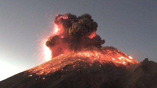 Popocatepetl volcano erupts spectacularly
