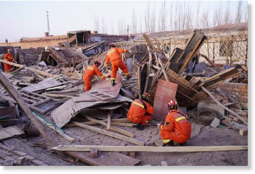 Rescuers check for safety hazards in Jiashi County in Kashgar Prefecture, Xinjiang Uygur Autonomous Region, on Monday.