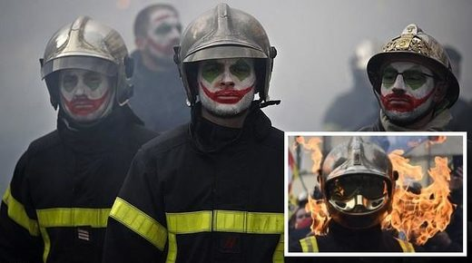 french firefighter protest yellow vest