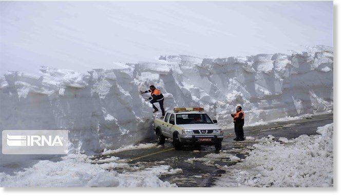 Τα έξη μέτρα έφτασε το χιόνι στο Ιράν - φώτο, video