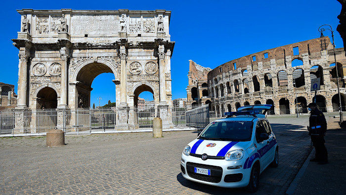 1_Colosseum_and_Arch_of_Consta.jpg
