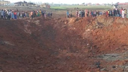 Massive explosion leaves giant crater in Akure, Nigeria, dozens of buildings damaged - UPDATE: Expert suspects METEOR IMPACT