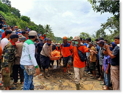 Policemen and personnel of the Tanah Datar Disaster Mitigation Agency