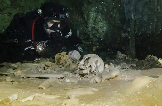 underwater cave mexico human fossils mayans