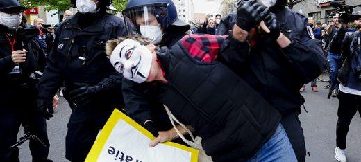 anti-lockdown protesters