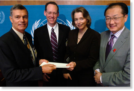 From left to right: Steven Hilton, Paul Farmer, Ophelia Dahl and Jim Yong Kim at the United Nations in Geneva, Switzerland, Oct. 31, 2005.