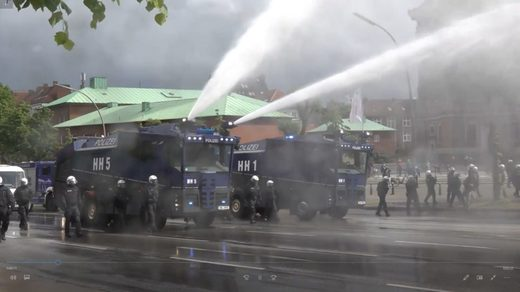 hamburg police water cannons