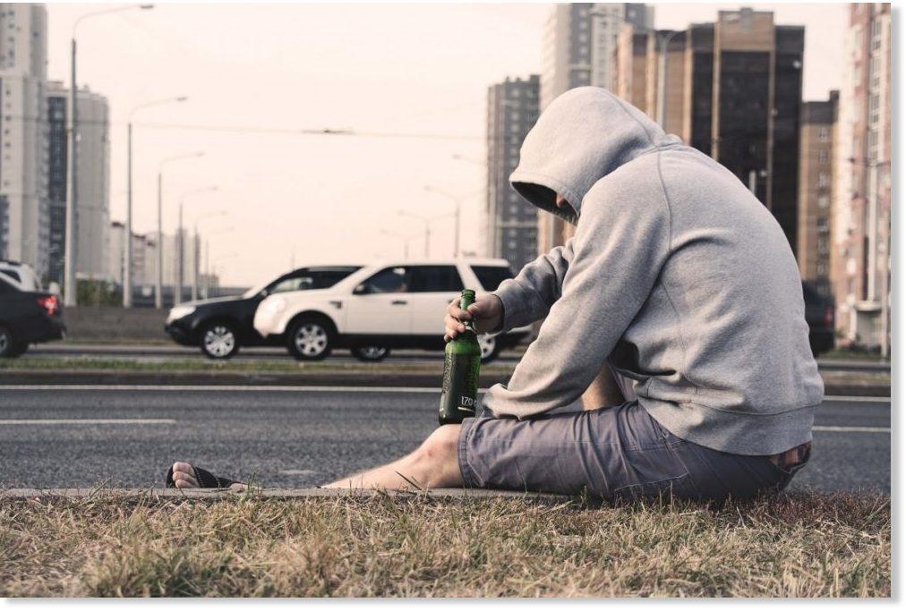 alcoholic_alone_beer_cars_city.jpg