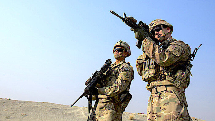 _1_A_US_soldier_from_the_3rd_C.jpg