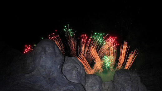 Fire works at Mount rushmore