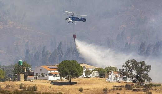 helicopter wild fires spain august 2020