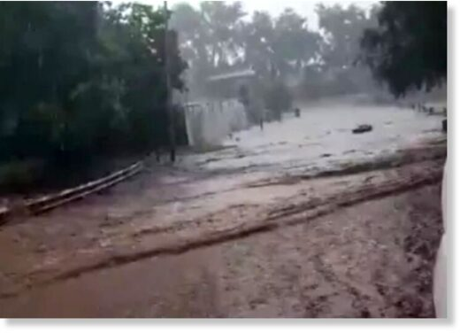 Bridges have been hit by flash flooding in Gauteng, leading to traffic jams as a thunderstorm rocks the province.