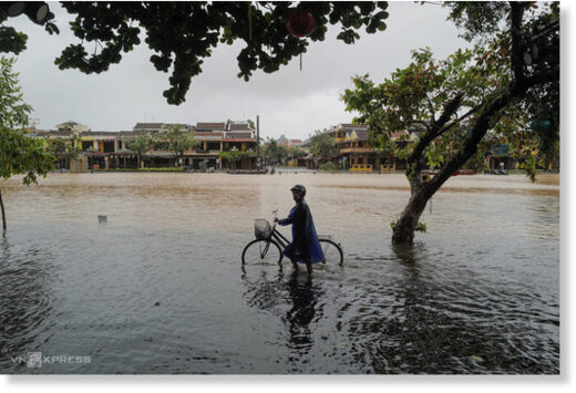 Bach Dang Street along the Thu Bon River in Hoi An is under 50 cm of water, October 28, 2020.