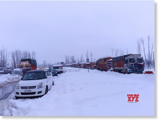 Srinagar: Vehicles remain stranded on the Srinagar-Jammu highway