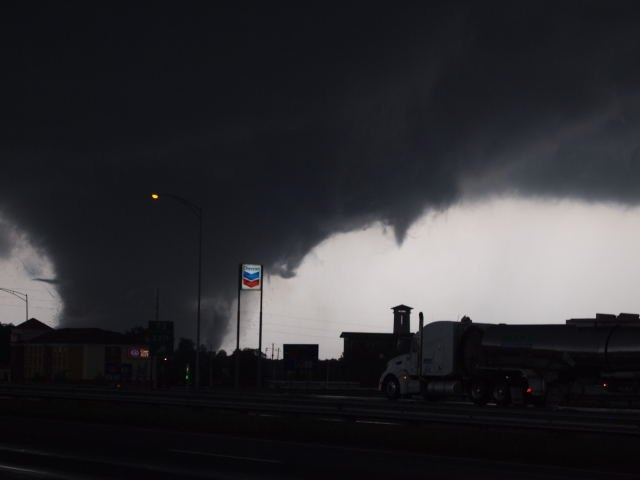 US: Tornadoes Rock Alabama and Georgia, One of the Largest Tornado Outbreaks In History