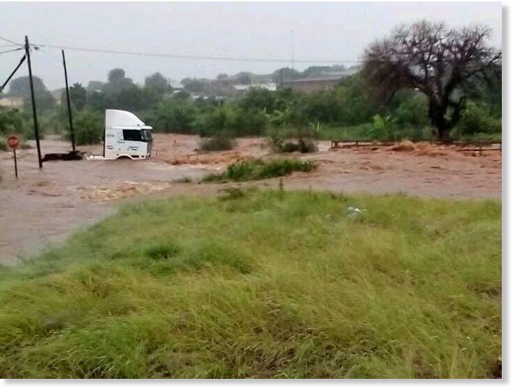 Floods_in_Musina_Limpopo_South.jpg