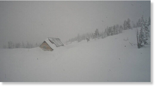 Paradise Ranger Station near the Jackson Visitors Center sits under nearly 19 feet of snow.