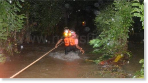 Army rescues group trapped by flood waters in Ruwanwella
