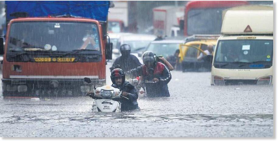 60 mm of rain in an hour floods Mumbai –  94% of its June rain so far