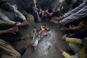 hands at fire/India