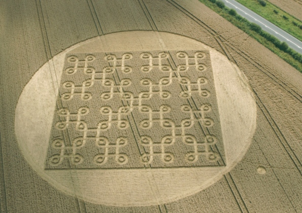 Endless crop circle by A272 'best this year'