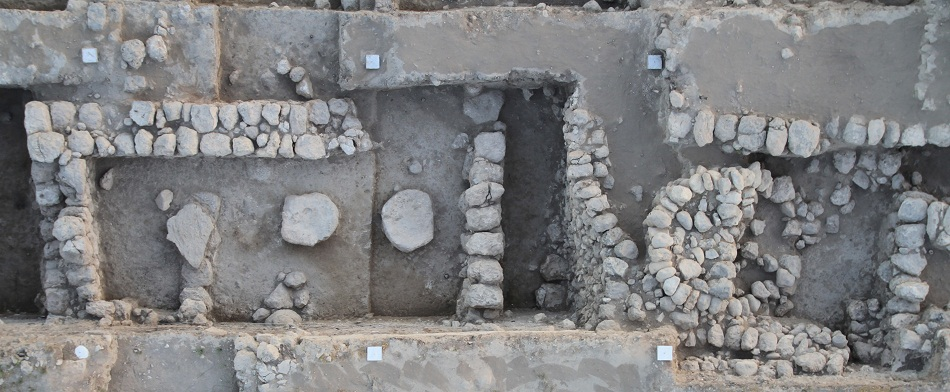 Ancient temple with marks of conflict uncovered near Jerusalem
