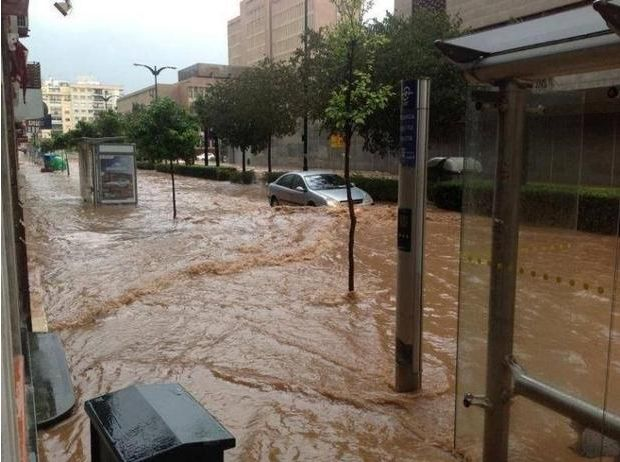 Flash-flooding in Malaga for second time in as many months as Costa del Sol goes on orange alert