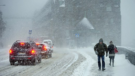 Global warming? Heavy snow brings Stockholm to a standstill