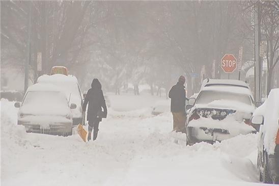 Record-breaking snowfall hits Rochester, New York