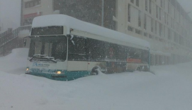 Record snowfall closes lifts and roads in the Pyrenees