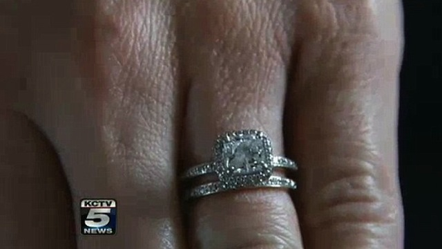 Homeless man returns engagement ring worth thousands to woman after she accidentally dropped it in his change cup