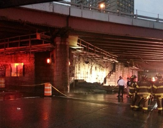 Symbolic? Wall under historic Brooklyn Bridge collapses during storm